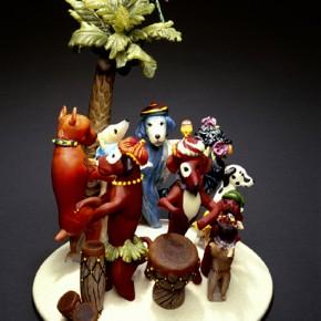 Sculpted glass figurines by Karen Willenbrink-Johnsen