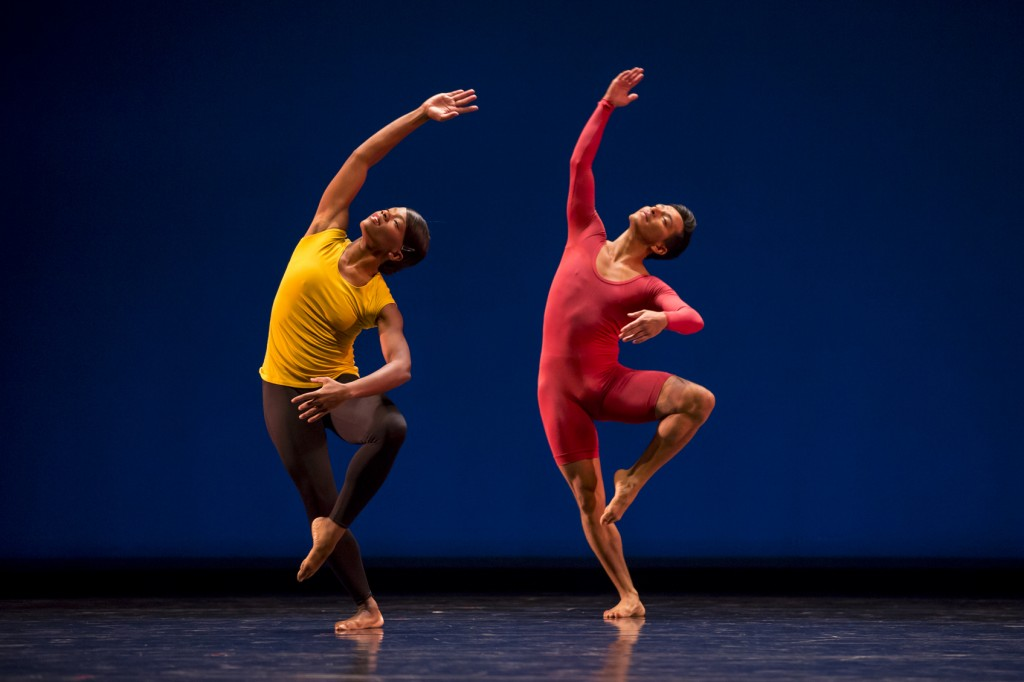 Ursula Perry and Effren Corado Garcia dance a duet by Marina Harris. Photo by Nathan Sweet.