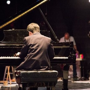 All the World's a Studio: Mundi Project brings pianos - and now art - to the world